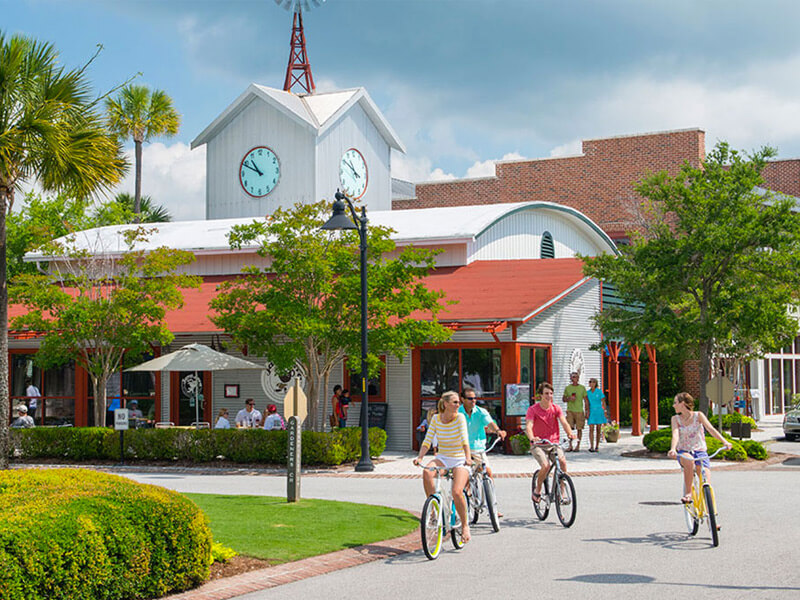 Seabrook Island residents enjoying Freshfields Village; a place with restaurants and plenty of other things to do
