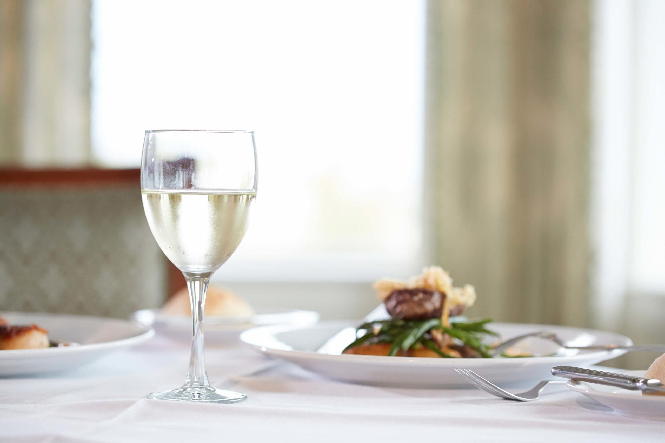 club-dinner-at-seabrook-island-restaurant