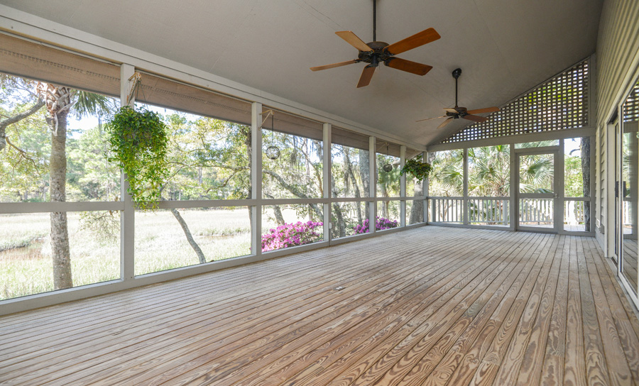 3143 SIR 3_screened porch